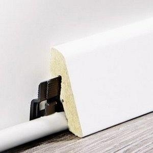 Wineo Sockelleiste passend zu Laminatböden wineo 300 und 500 lieferbar in Verbindung mit Bodenbelag-Bestellung. 18,5 x 38,5 x 2400 mm, VE: 4 Leisten = 9,6 m, HstNr: wsl185