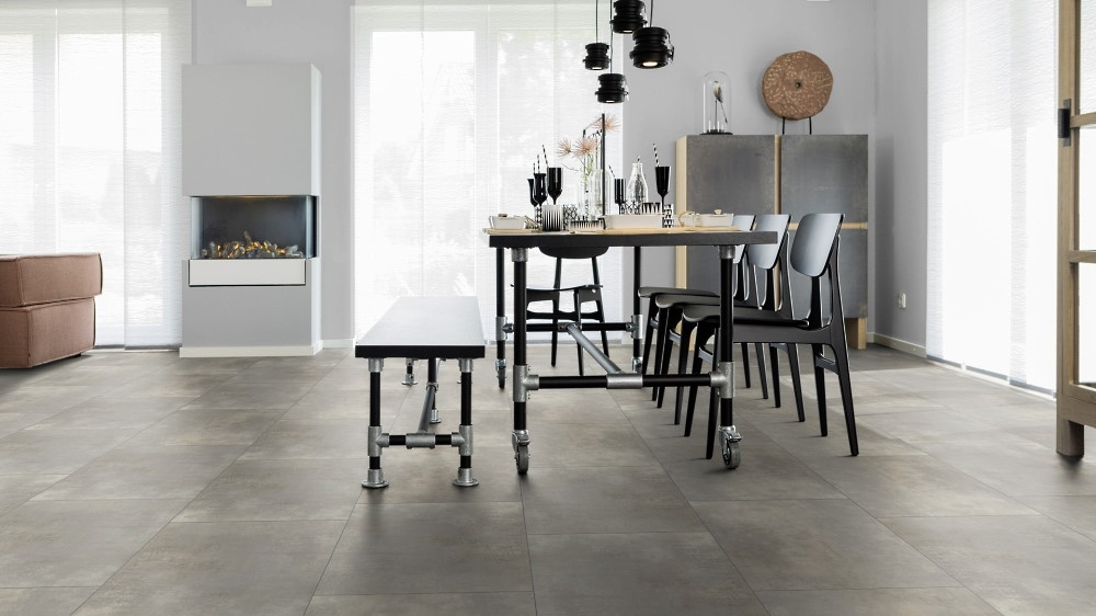 wineo 600 stone xl click Rigid Designboden großformatige Fliesen gut geeignet als Bodenbelag für die Küche hier im Design Camden Factory RLC202W6